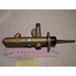 Maitre cylindre de frein avec freinage sur le pont av Gamme 3